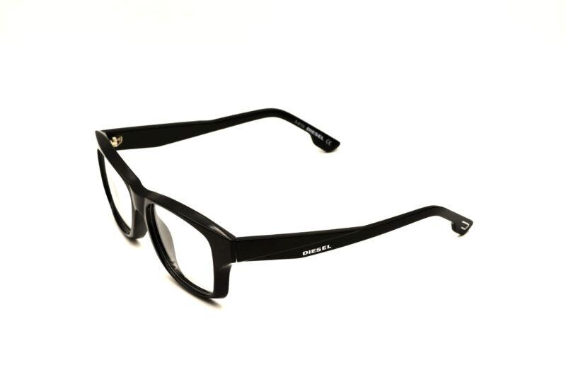 DIESEL DL5065 C005 POZA3   Elegant Optic